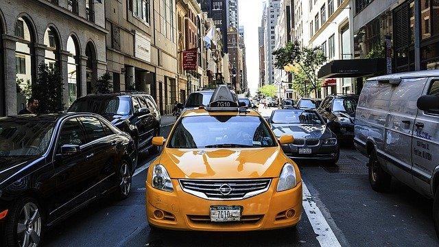 Comment distinguer un bon service de taxi moyen pour vos vacances de découverte ?